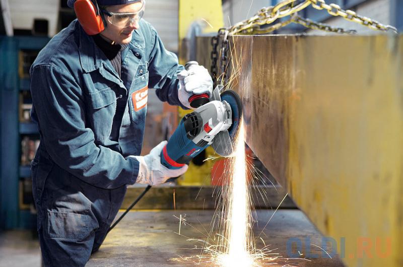 Углошлифовальная машина Bosch GWS 24-230 LVI 230 мм 2400 Вт угловая шлифмашина bosch gws 26 230 lvi 0 601 895 f04